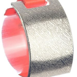 Clip leather bracelet